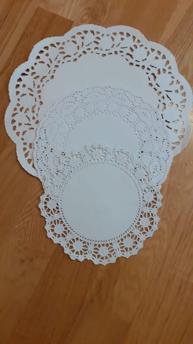 Doilies-Margaret-Thompson