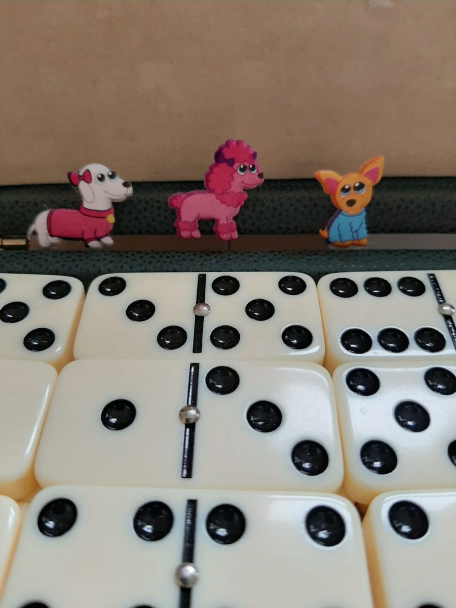 Dominoes-and-Dogs-Kath-Bennett