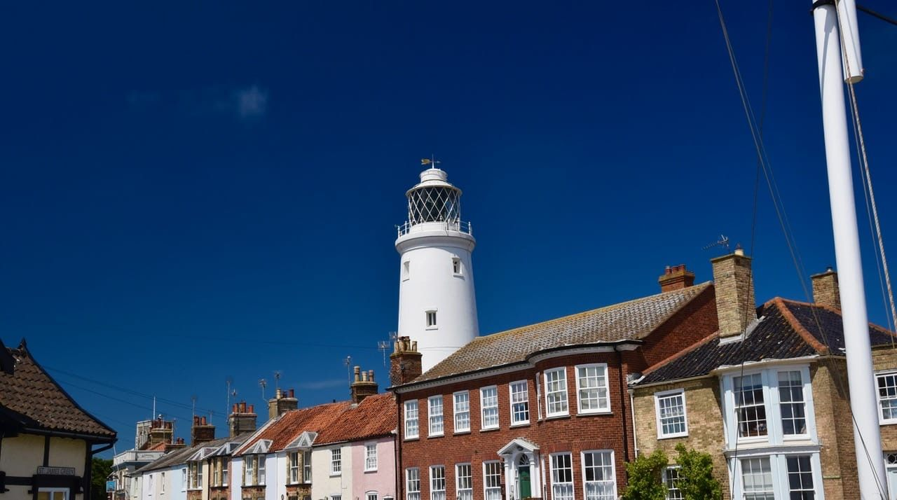 Lighthouse-Lesley-Winrow