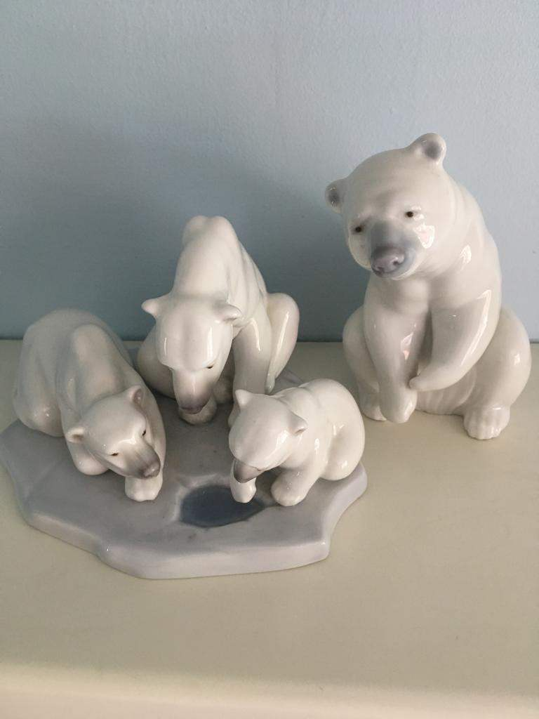 Polar-Bears-Hilary-Boon